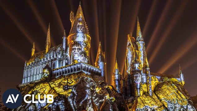 Inside Universal Hollywood's crazy new Harry Potter light show