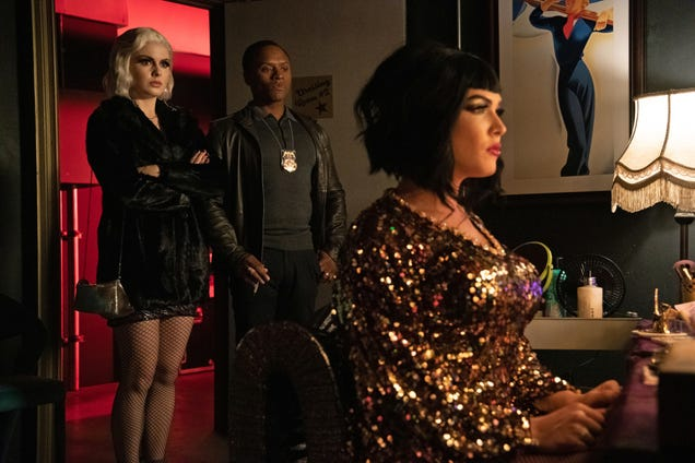 """iZombie drags its final season into place with """"Killer Queen"""""""