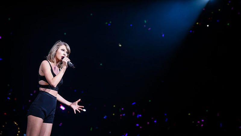 """Taylor Swift releases """"Gorgeous,"""" her first good single in forever"""