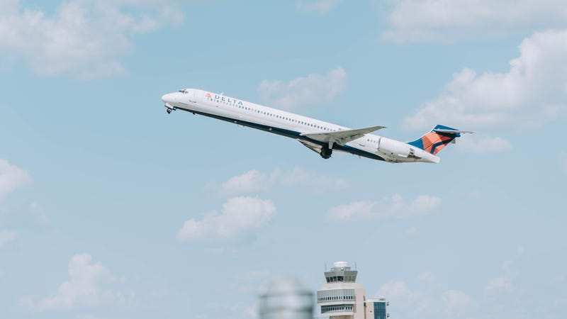 Fly Delta? It's a Really Great Time to Sign Up For a Delta Amex.