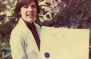 Illustration for article titled College pic of Elizabeth Warren!