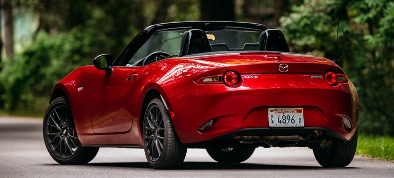 Illustration for article titled How Hard Is It To Find The Power Outlet In A 2016 Miata? (Impossible)