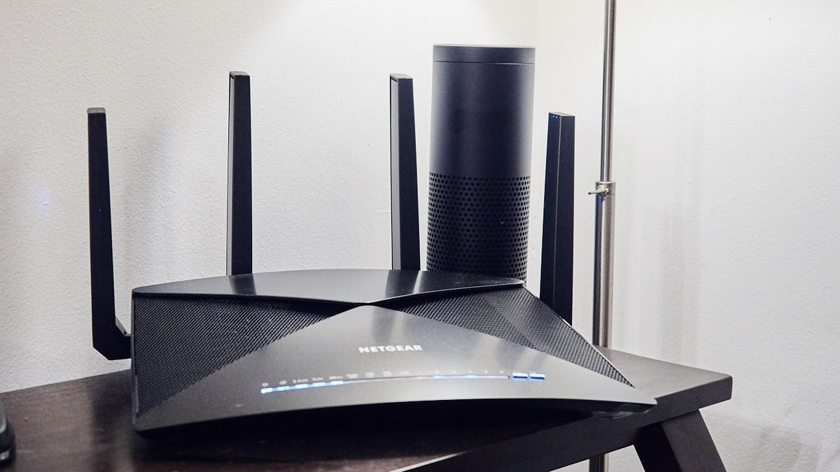 Why Your Router Has Two Wifi Bands and How They Work