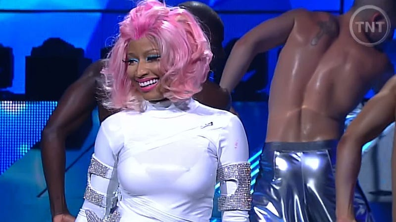 Illustration for article titled Nicki Minaj Had A Bit Of A Wardrobe Malfunction In The NBA All-Star Pregame