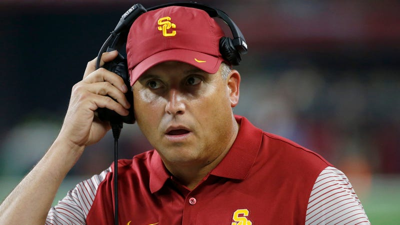 USC promotes QB Sam Darnold to starter over Max Browne