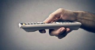 Illustration for article titled ¿Por qué golpear las pilas del mando hace que duren un poco más?