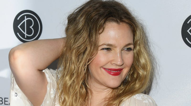 Illustration for article titled What the fuck is going on with this Drew Barrymore interview?