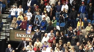 """Illustration for article titled This Knicks Fan's """"Me Love You Lin Time"""" Sign Presented Without Comment"""