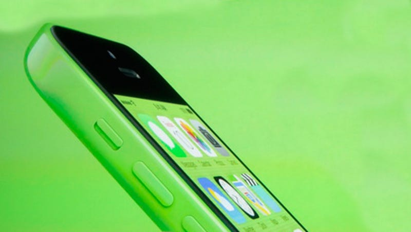 Illustration for article titled Apple's New, Colorful iPhone 5C Is Full of iPhone 5 Guts