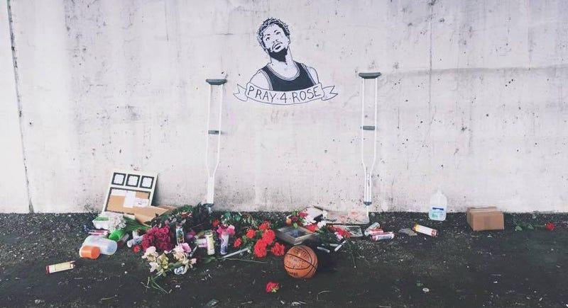 Illustration for article titled Sad Derrick Rose Shrine Even Sadder After Being Vandalized