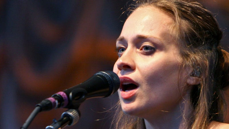 Illustration for article titled Texas Sheriff's Department Tells Fiona Apple to 'Shut Up and Sing'
