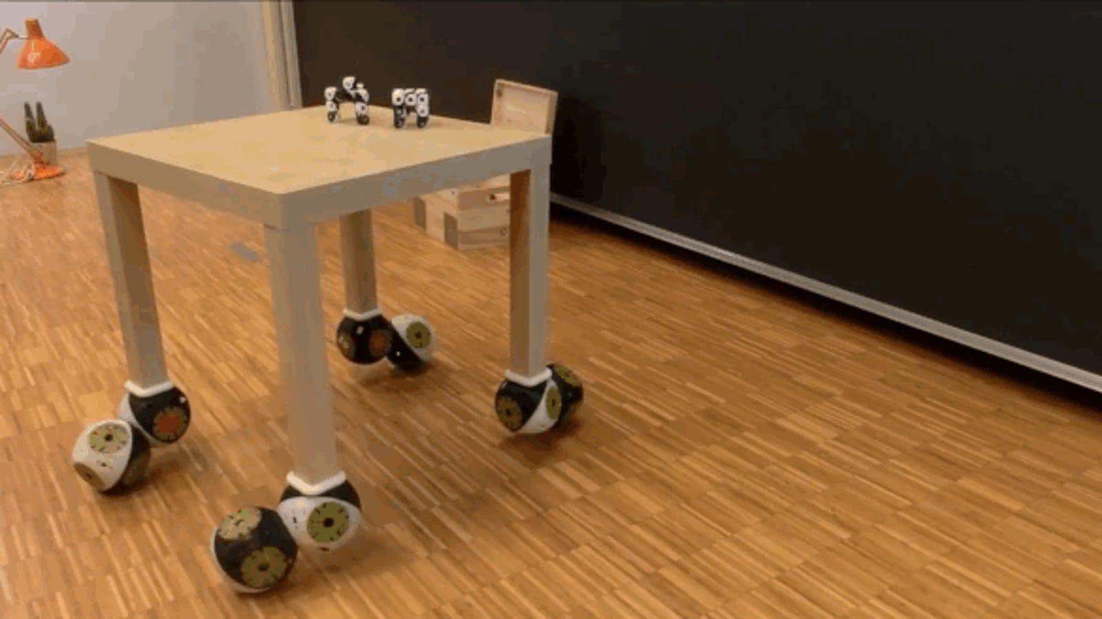 Estos muebles robóticos se mueven, cambian de forma y se montan solos