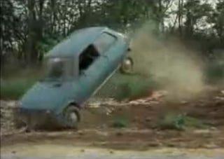 Illustration for article titled Renault 5 Takes Off-Road Shortcut In Pursuit Of Citroën CX
