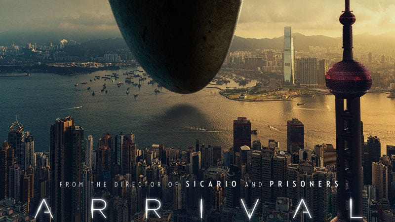 "Illustration for article titled Un ""error"" en el cartel de la película Arrival crea polémica entre Hong Kong y China"