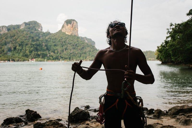 Illustration for article titled Visit Thailand, Climb Rocks