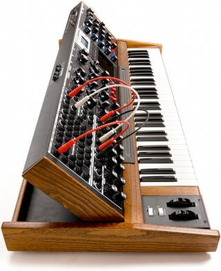 Illustration for article titled Relive the '70s With Moog's Voyager XL Synthesizer