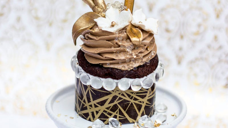 Illustration for article titled Most Expensive Cupcake Contender Is a Beautiful Waste Of Chocolate, Gold