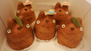 Illustration for article titled These Totoro Cream Puffs Are Cute Enough to Eat. Literally.