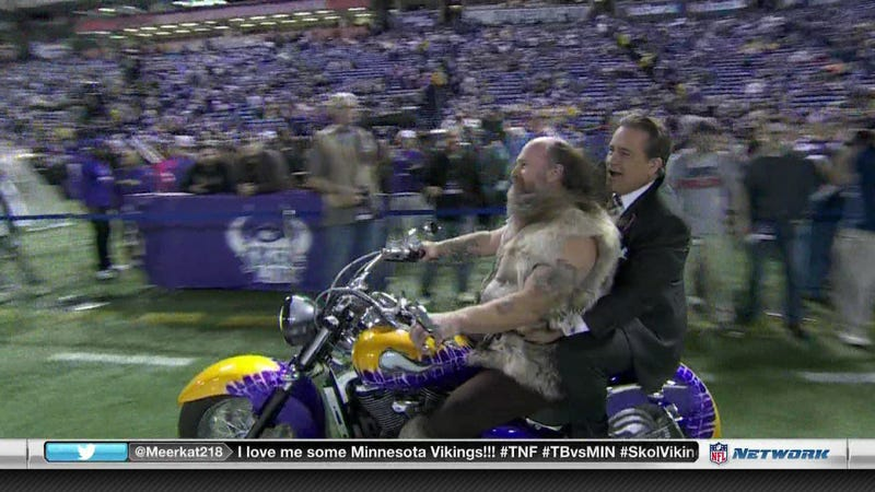 Illustration for article titled Steve Mariucci Went For A Ride With Ragnar