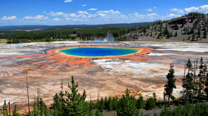 Illustration for article titled Tell Us Your Yellowstone Park Travel Tips