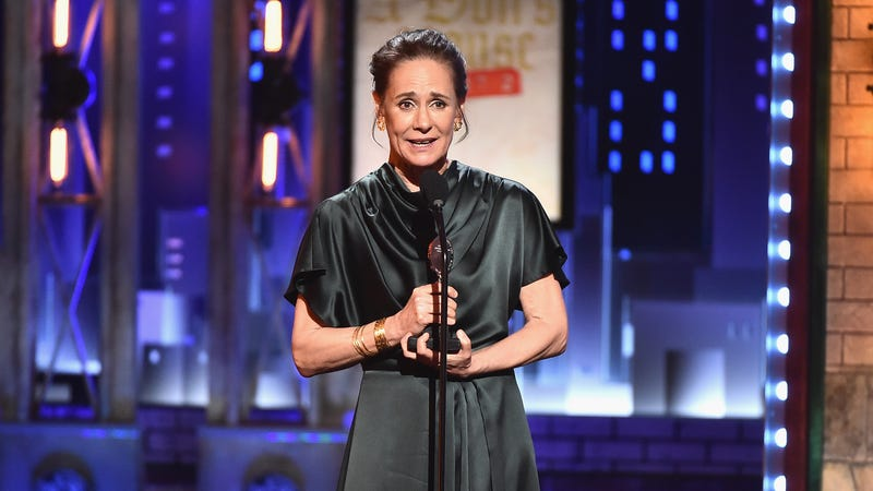 Laurie Metcalf, winning a 2017 Tony Award. (Photo: Theo Wargo/Getty Images)