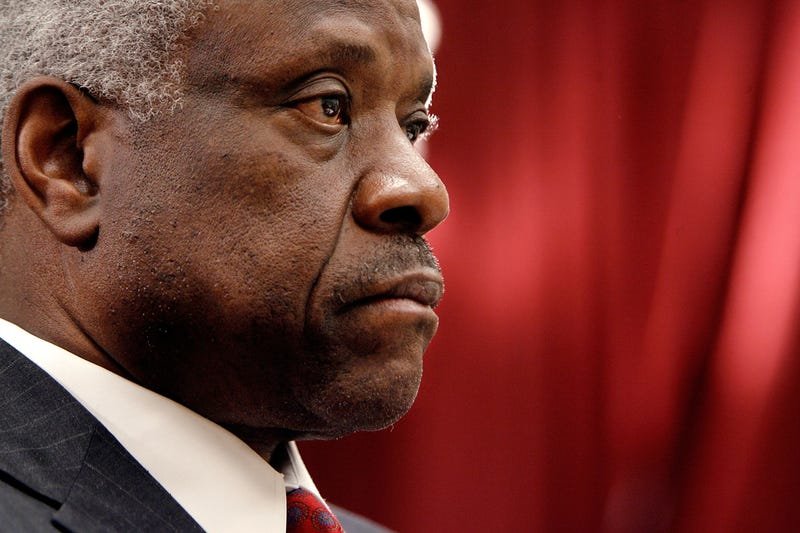 "Illustration for article titled In Strip Search Case, Clarence Thomas Shows He's ""Off the Grid"""