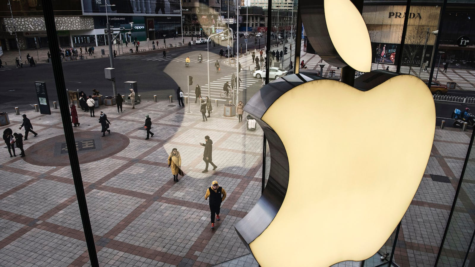 Apple and Foxconn Accused of Breaking Labor Laws in China to Produce iPhones