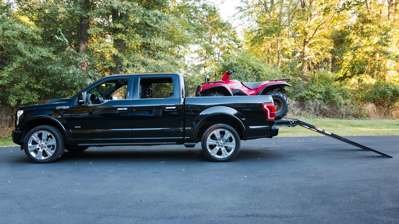 this expensive option on the 2016 ford f 150 is actually super neat. Black Bedroom Furniture Sets. Home Design Ideas