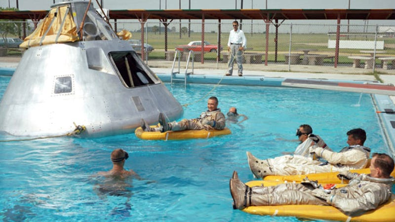 Illustration for article titled NASA Used To Throw The Best Pool Parties