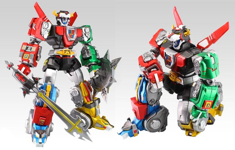 Illustration for article titled There's Never Been a Transforming Voltron As Impressively Articulated As This One