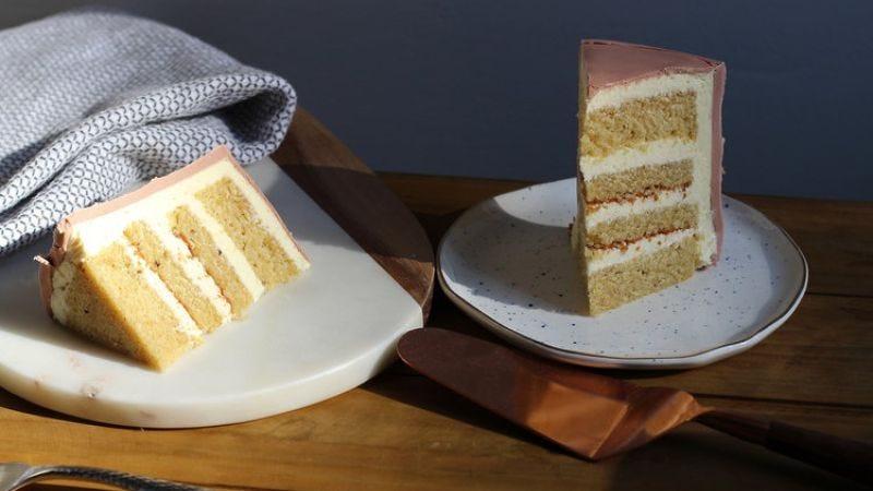 Vanilla rye cake with ermine buttercream frosting (Photo: Molly Brodak/Kookie House)