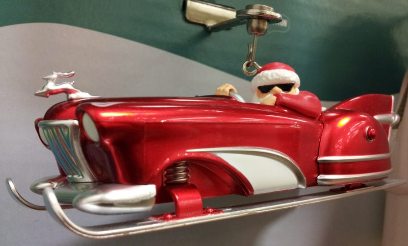 Illustration for article titled Santa to slide his way onto your roof in this low-rider...