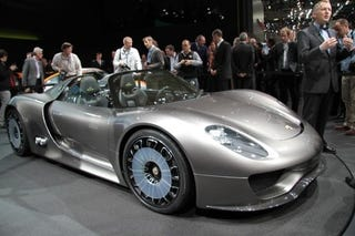 porsche 918 spyder engine. there\u0027s a lot we don\u0027t know about the hybrid porsche 918 spyder concept. is its 500 hp combined or gas-only? does performance really tail-off as charge runs engine l