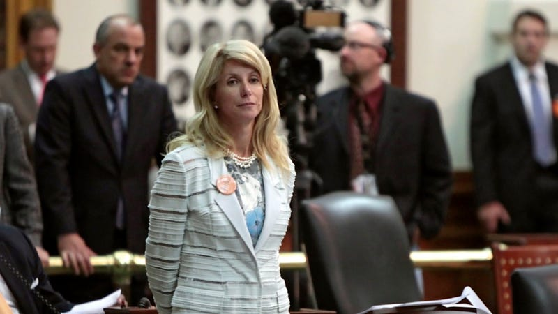 Illustration for article titled Wendy Davis Explains How Rick Perry Is Basically a Goon