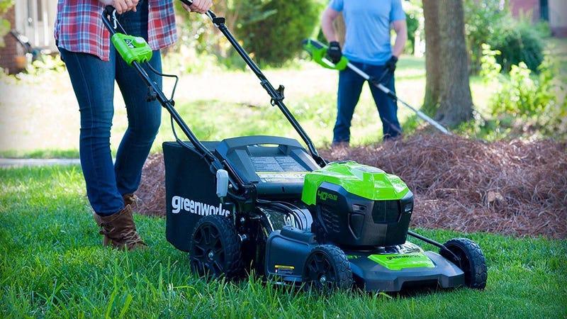 "GreenWorks 21"" 40V Electric Lawnmower   $247   Amazon"