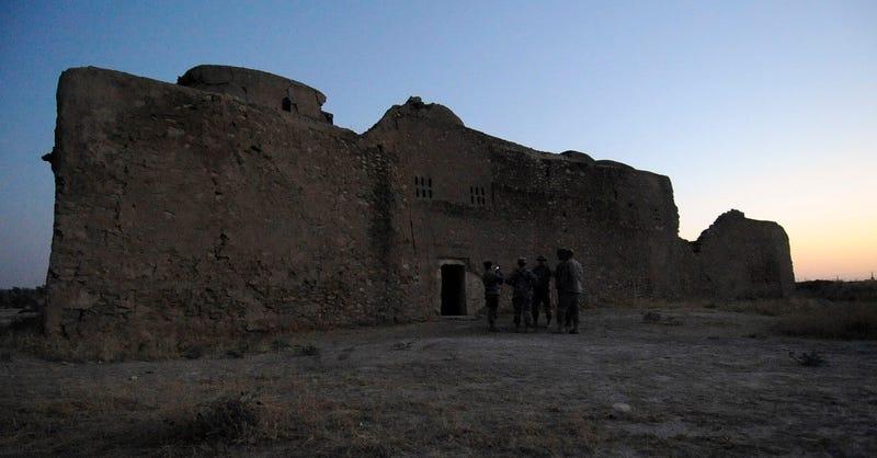 Illustration for article titled ISIS destruye el monasterio cristiano más antiguo de Irak, con más de 1400 años de historia