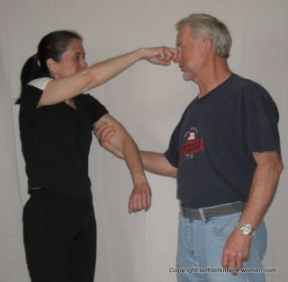 Basic Moves Anyone Can Doand Should Know Self Defense Everyone 80wPnOk