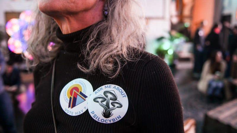 Illustration for article titled Denver Vote to Decriminalize Psilocybin Mushrooms Appears to Snag Last-Minute Victory [Corrected]