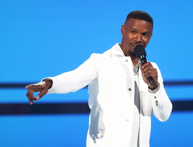 Illustration for article titled Jamie Foxx's Penis-Slapping Case Closed