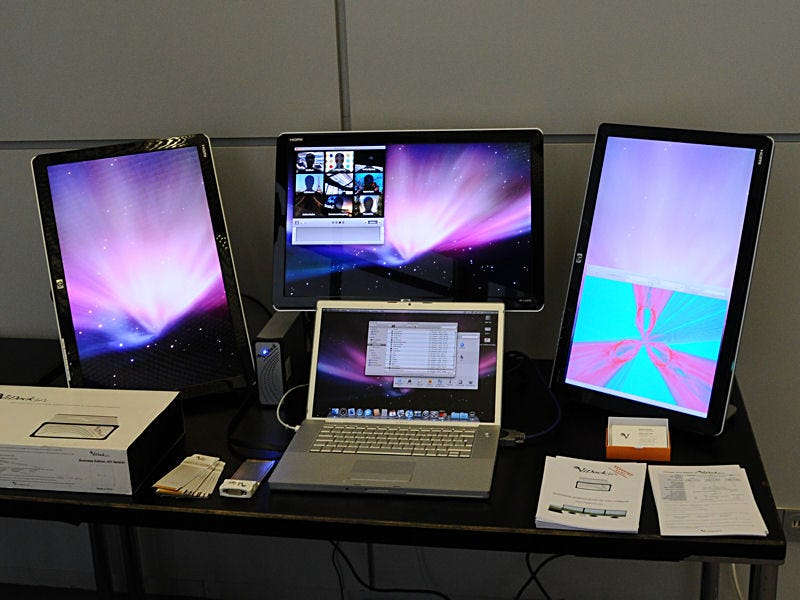 ViDock Gfx Connects Your Laptop to a Whole Bunch of Displays