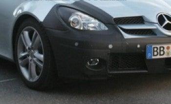 Illustration for article titled Spy Photos: Mercedes SLK Nip/Tuck
