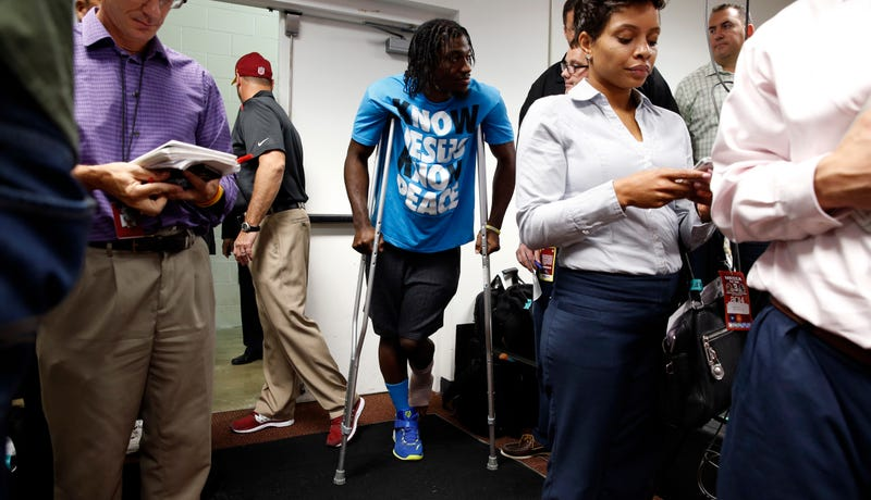 Illustration for article titled Report: Robert Griffin III Won't Need Surgery