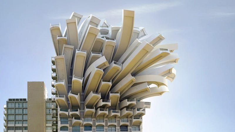 Illustration for article titled These Examples of Surrealist Architecture Will Make You Feel Dizzy