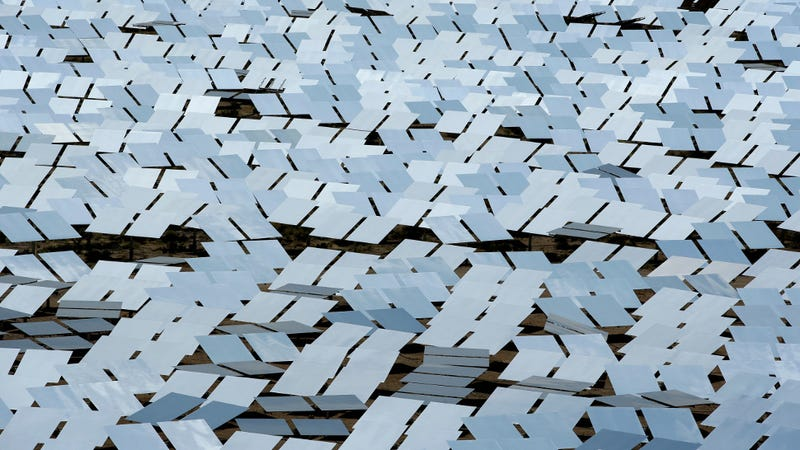 An array of mirrors at the Ivanpah Solar Electric Generating System. (Image: AP)