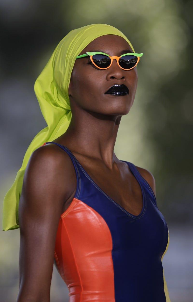 Illustration for article titled Beachwear So Bright, You Gotta Wear Shades