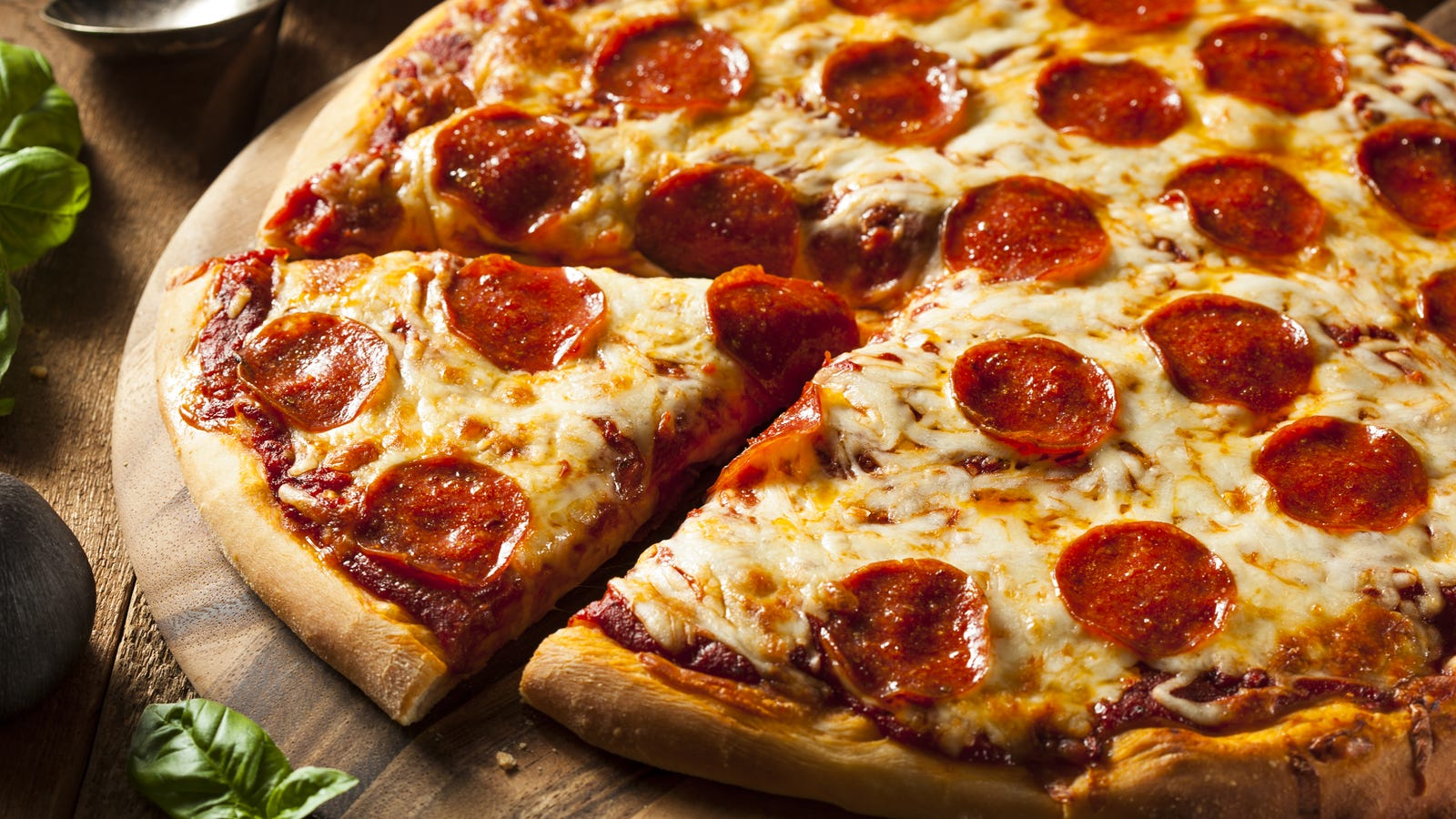 An Engineer Explains Why You Should Always Order the Larger Pizza