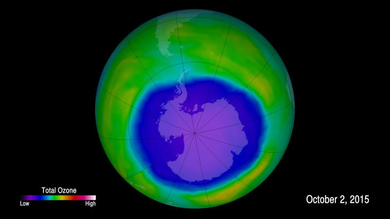 False-color image showing ozone concentrations above Antarctica on Oct. 2, 2015. Image: NASA/Goddard Space Flight Center