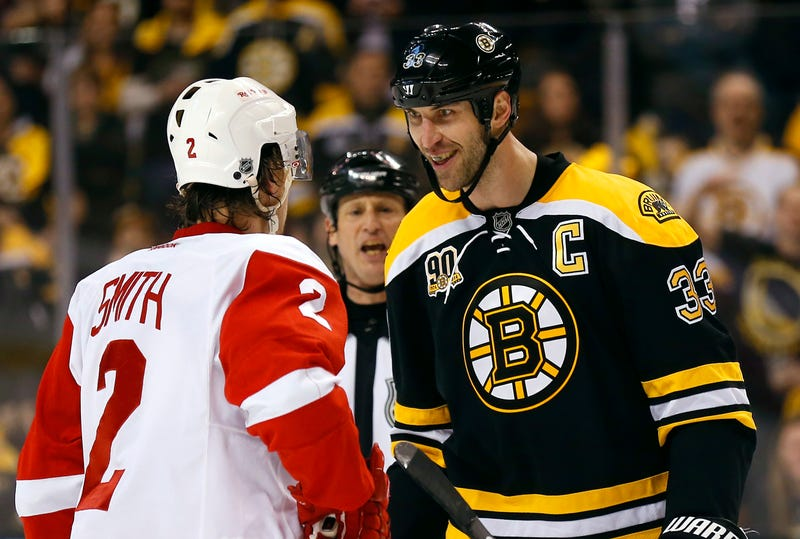 Illustration for article titled Zdeno Chara Laughs At Puny Humans Who Want To Fight Him