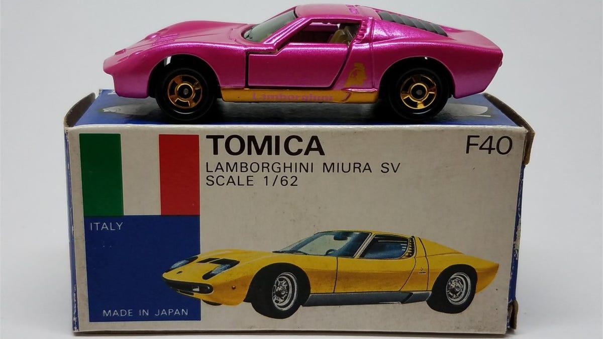 Review Tomica Lamborghini Miura Sv