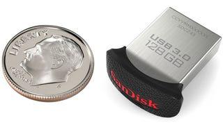 Illustration for article titled Esta es la memoria USB de 128 GB más pequeña del mundo